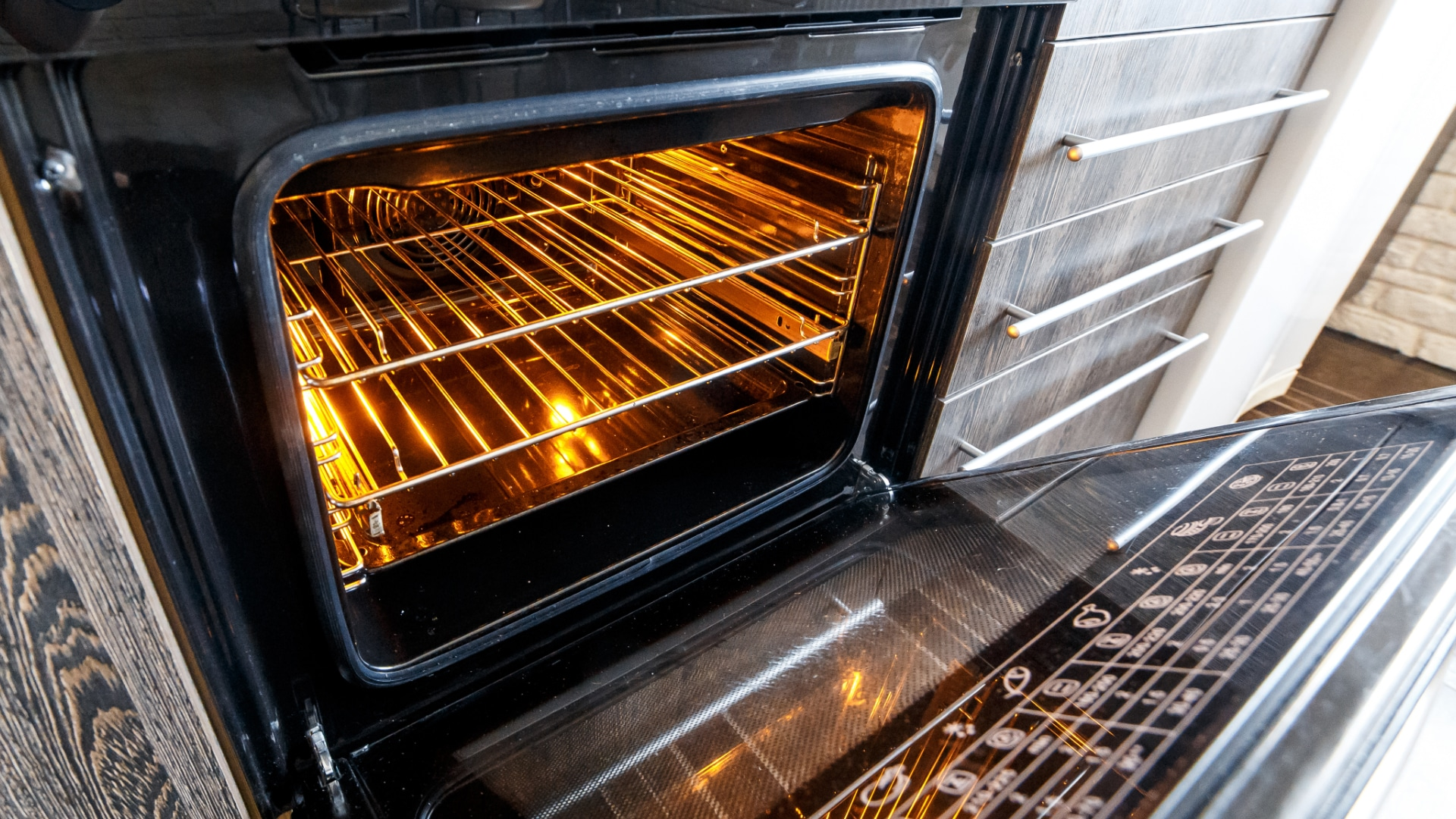 """Featured image for """"Oven Won't Turn On? Here's What to Do"""""""